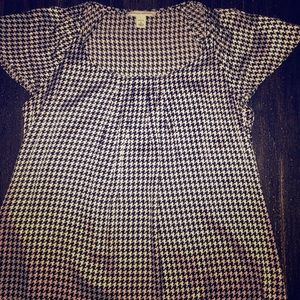Ladies Beautiful Silk Banana Republic blouse